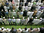 2014 06 muslim-prayer-rows